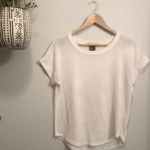 Tops - 🦋 Cream Short Sleeved Top • Small